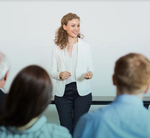 expert course creator teaching a class